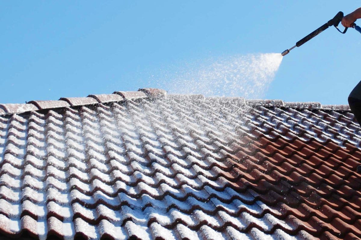 Roof Tile Cleaning And Moss Removal Costs And Working Method
