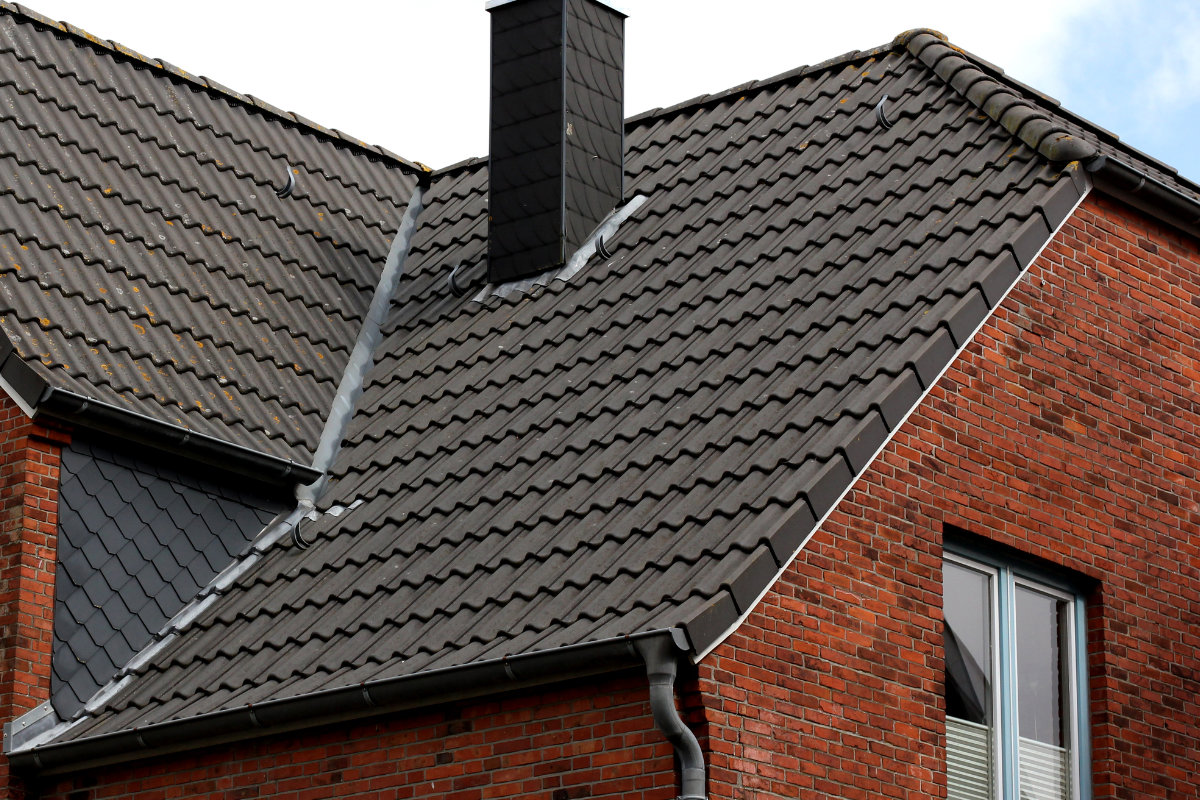 Concrete roof tiles pros cons types price information for Type of roof tiles